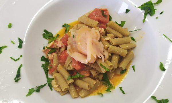 Pasta Pomodorini e Salmone